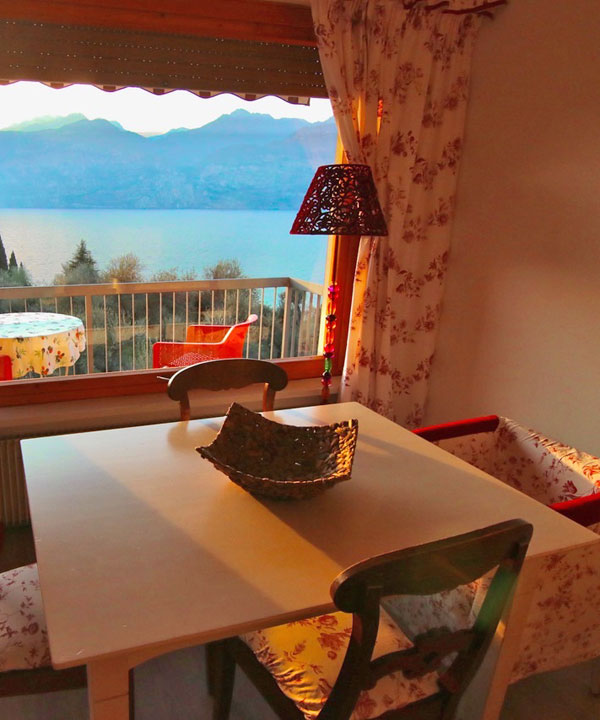 Loncrini Apartments - Malcesine on Lake Garda